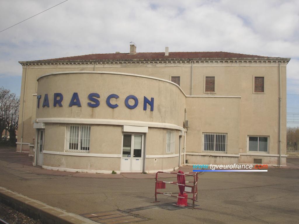 La gare SNCF de Tarascon (13150) dans le département des Bouches-du-Rhône