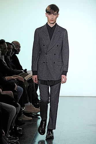 Charlie France3190_FW10_Paris_Yves Saint Laurent(nikestav10@mh)