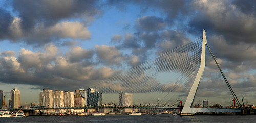 Photo Erasmus Bridge Copyright © Peet de Rouw