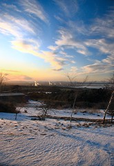 River Forth & Grangemouth petrochemical complex (ScotiaIsles) Tags: winter sunset snow weather clouds canon scotland frozen frost forth pollution environment inversion climatechange climate linlithgow boness grangemouth falkirk stirlingshire severeweather altocumulus westlothian petrochemical temperatureinversion eos30d industrialpollution heavyindustries cleanairact scotlandweather westlothiangolfcourse atmosphericstability moresnowinscotland forthclydevalley grangemouthpetrochemicalcomplex historicweatherexpertwitness
