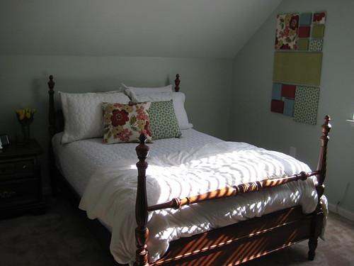 guest room 023