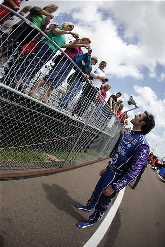 Dario and Fans