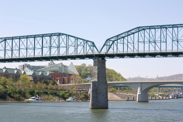 Chattanooga Riverboat - bridges