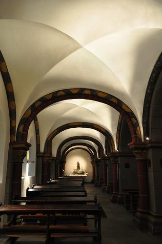 Bas-côté, église romane St Sèverin (XIIe-XIIIe), Marktplatz, Boppard, Landkreis Rhein-Hunsrück, Rhénanie-Palatinat, Allemagne.