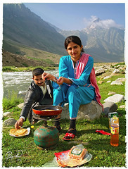 Dreams of Jalkhad (IshtiaQ Ahmed revival to Photography) Tags: morning camping pakistan portrait cooking breakfast river yummy picnic walk top valley dreams pakistani juices kashmir wakeup kaghan nwfp frying paratha kunhar jalkhad pakportrait ishtiaqahmed