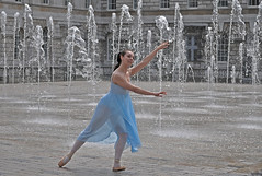 Clare @ Somerset House and its fountains (zxDaveM) Tags: clare fave somersethouse fountains clarehamilton