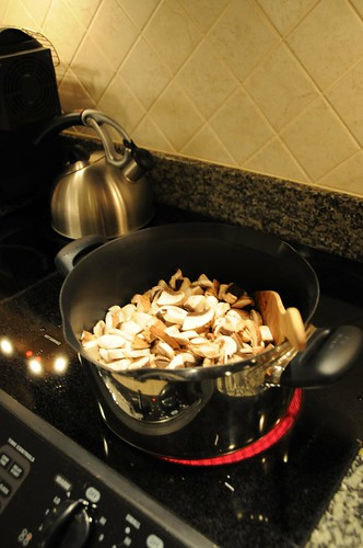 cooking mushrooms