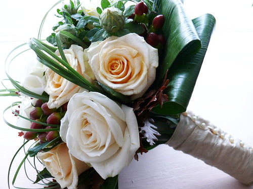 winter wedding bouquets pictures