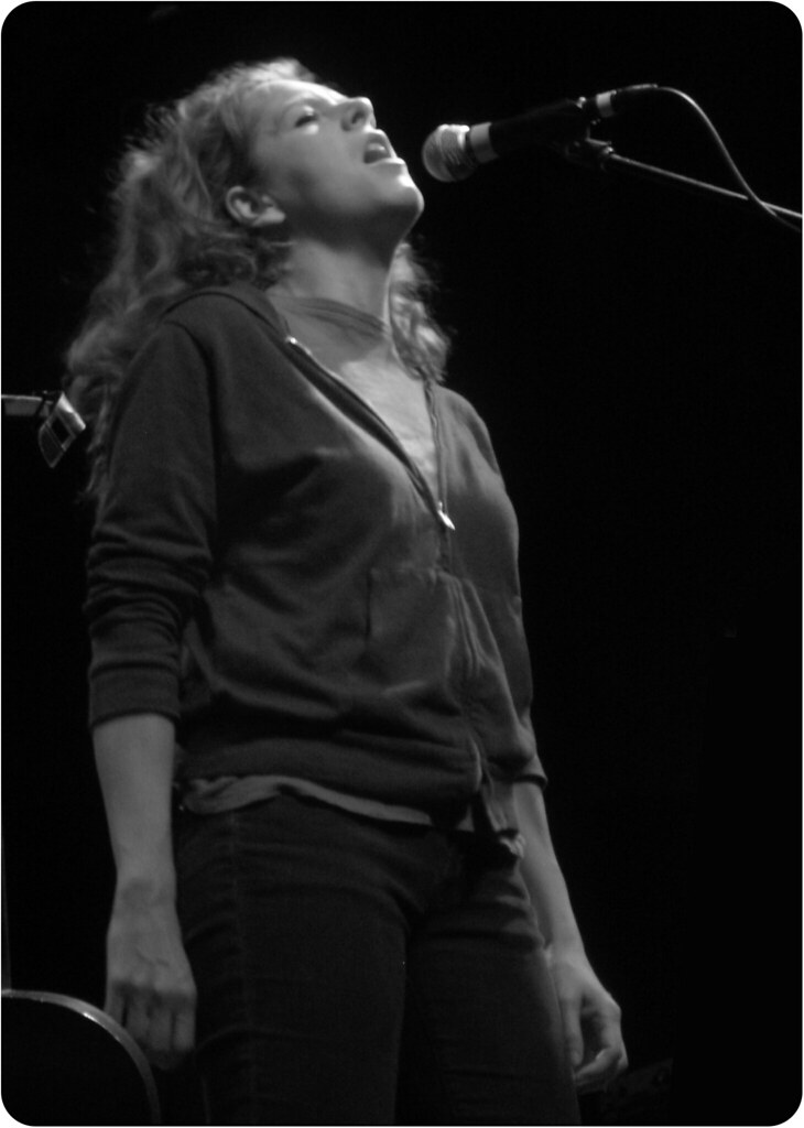 Neko Case Granada Theater 11/23/09 by nffcnnr 2