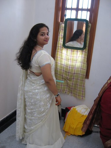 Horny village girl sona smiles while showing off her naked body watch indian pornvia torchbrowser - 4 4