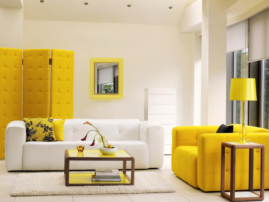 Yellow & White Living room