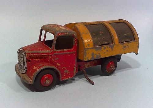 Dinky Dustcart