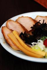Shio Tokusen Toroniku (choice meat) Ramen - DSC_4404 (~Nisa) Tags: food seaweed asian japanese singapore asia plum meat ramen noodles leek fishcake negi shio bambooshoot thecentral eutongsenstreet porkcheek toroniku tokusen ramensantouka 6eutongsenstreet saltflavour choicemeat roastedporkcheek