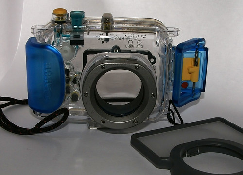 For sale: Dive case for camera