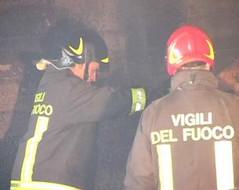 Stalking, l'intervento dei vigili del fuoco scongiura un dramma