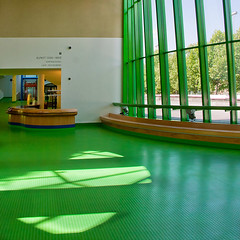Green is beautiful... (Rainer Fritz) Tags: green germany stuttgart fenster eingang entrance staatsgalerie