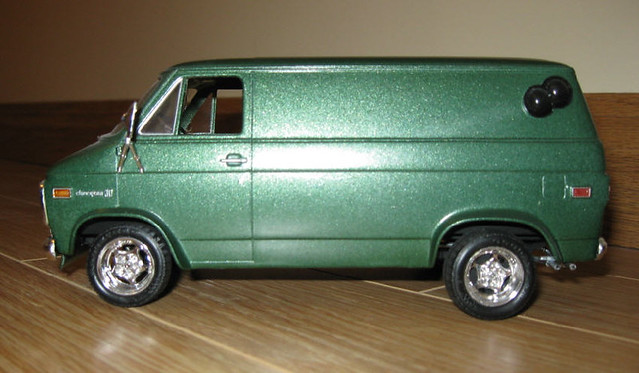 scale 1974 1971 model panel side 71 plastic chevy 1975 kit van 1977 75 1972 74 77 72 1973 gmc built 1976 73 shorty 76 revell builtup chevyvan