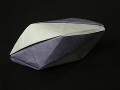 Isoarea rhombic hexahedron
