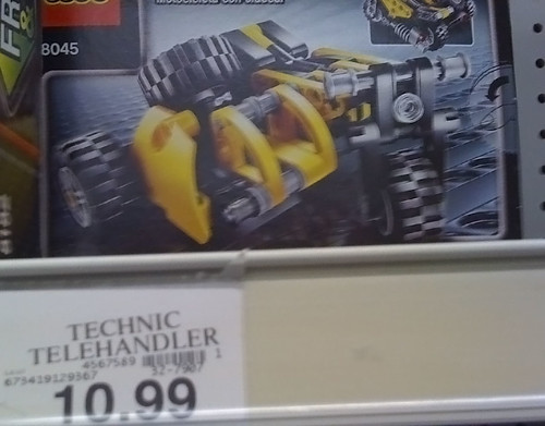 LEGO 2010 Sets Spotted at Toys R Us -  Technic 8045 - Mini-Telehandler