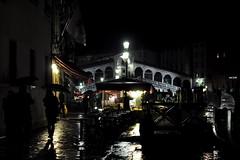 (ba.dev) Tags: venice rain night darkness venezia pioggia acquaalta pontedirialto