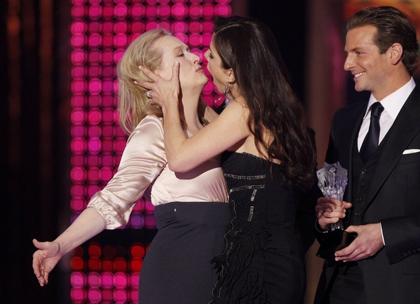 Sandra Bullock beso Meryl Streep