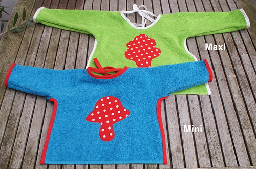 Slab met mouwen / babybib with sleeves