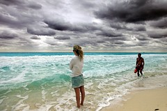 * clouds & mexico * (peo pea) Tags: sea beach clouds mexico nuvole cancun massico limagecolor peopleenjoyingnature theoriginalgoldseal
