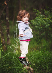 Lilly-lu ({amanda}) Tags: girl 3years threeyears amandakeeysphotography bettsykingstoncute 85mm12lnaturallight