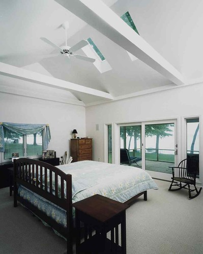 Cathedral ceiling bedroom cathedral ceiling bedroom for Bedroom cathedral ceiling