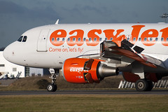 G-EZAA - 2677 - Easyjet - Airbus A319-111 - Luton - 091210 - Steven Gray - IMG_5097