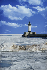 duluth superior lighthouse (Dan Anderson.) Tags: light lighthouse house ice minnesota greatlakes mn duluth lakesuperior gitchegumee northbreakwater