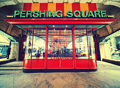 Central Caf, Pershing Square, New York City (Philipp Klinger Photography) Tags: street new york city nyc bridge light shadow red people orange usa ny reflection green window glass caf car station sign america square concrete lights coast us cafe nikon neon cross traffic unitedstates angle manhattan cab taxi united unitedstatesofamerica north central wide grand x terminal east vanderbilt midtown processing deli states avenue amerika philipp sigma1224mm dri hdr pershing staaten klinger nordamerika centralcaf vereinigte d700 dcdead vanagram