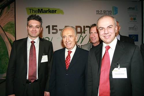 Edoardo Croci con il Presidente della Repubblica di Israele Shimon Peres, febbraio 2008