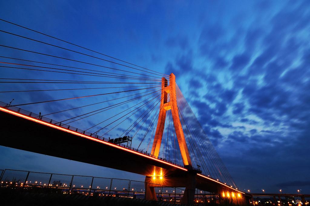 疏洪道 斜張橋 夜火