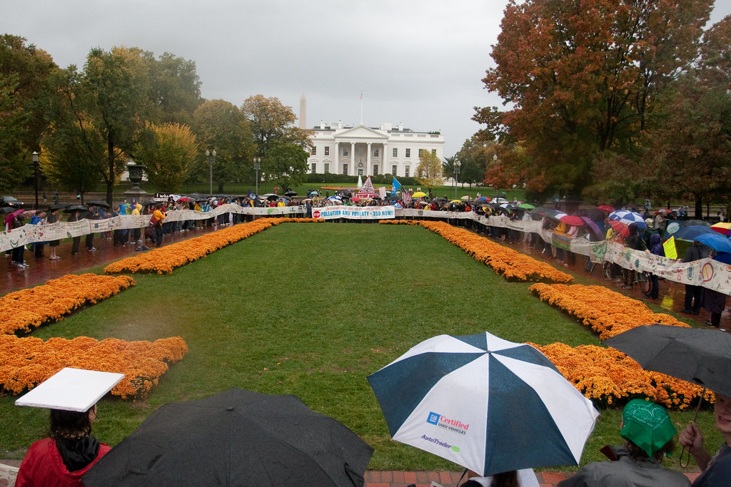 Demonstrators form a Circle of Hope in front of the White House
