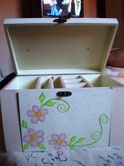 Estojo de bijuterias (Lilian Andrade **) Tags: mdf decoupage pinturacountry pinturadecorativa pinturaemmdf