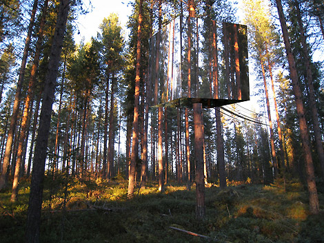 4327258179 37b518fcca o The Tree Hotel and Other Swinging Spots
