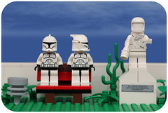 Day 183 (pasukaru76) Tags: park statue bench starwars lego latin spacer sigma105mm benchmonday projectclone365