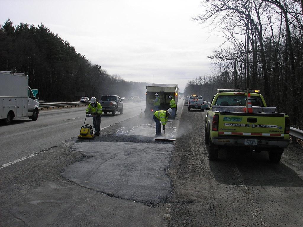 MassDOT Pothole Repair, I-93, Andover/Metheun, March 5, 2010