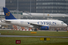 5B-DCF - 2718 - Cyprus Airways - Airbus A319-132 - Manchester - 081126 - Steven Gray - IMG_2877