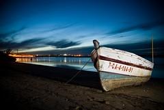 Descanso (eLuVeFlickr) Tags: beach boat nikon barco playa 1855mm dslr cdiz d60 relfex puertoreal imagepoetry strobist eluve eluvees eluveflickr