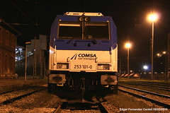 frontal 253 comsa. (Trenero EFC) Tags: train tren noche transport rail railway locomotive frontal freight locomotora 253 bombardier ferrocarril traxx mercancias aboo comsa f140dc