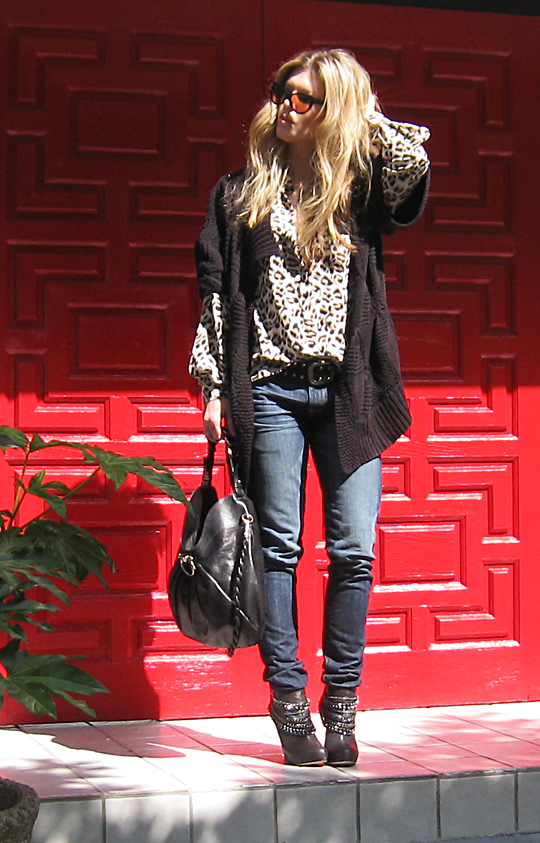 leopard blouse+jeans+boots with chains+red door+shangri-la -7