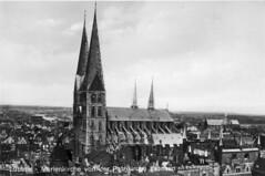 Lübeck ca. 1929 (Hellebardius) Tags: blackandwhite bw architecture germany deutschland architektur alemania sw marienkirche schwarzweiss lübeck allemagne duitsland 1929 historically