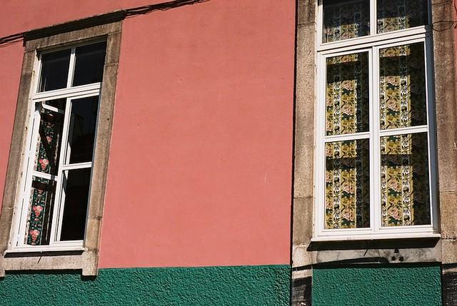 chitas nas janelas