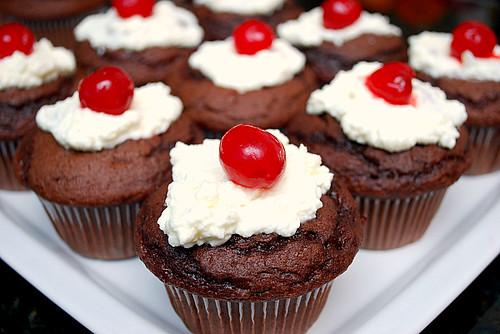 Schwarzwälderkirschtorte (Black Forest Cupcakes)