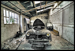 En rparation (tany_kely) Tags: car digital canon eos garage voiture repair hdr decayed rparation 450d rebelxsi abadonne