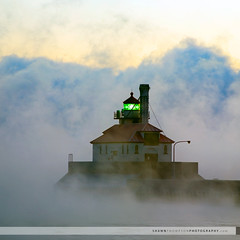 South Pier Lighthouse (Shawn Thompson - Lake Superior Photographer) Tags: lighthouse fog freezing steam lakesuperior duluthmn canalpark 10degrees