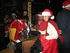 Santas @ the Bar (Lynn Friedman) Tags: sf sanfrancisco california santa christmas ca xmas usa holiday bar costume santacon santahat lowerhaight sfist nocnoc 94117 haightst lynnfriedman sfsanta09