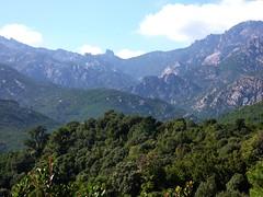 La cible : le Castellucciu sur la crête Monte Calva - Punta di Quercitella